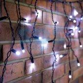 255-032; Гирлянда Айсикл (бахрома) светодиодная 2.4х0.6 м, черный провод, 230 В, диоды белые, 88 LED